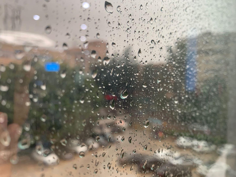 昆明下雨.jpg