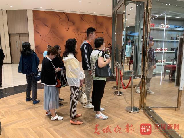 恒隆广场开业晚报记者初体验