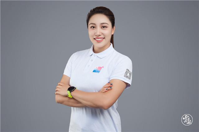 """武汉""""冠军歌手""""王雅婕为云南医疗队"""
