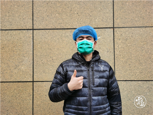男护士崔鹏宇:曾经受保护的人已长大1.jpg