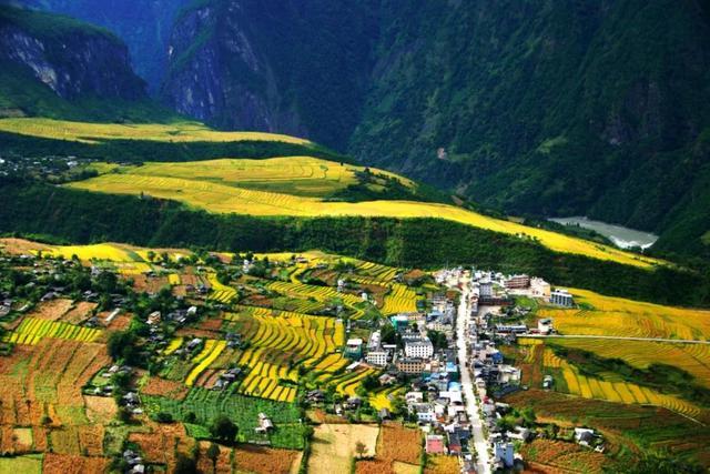 云南又有31个贫困县(市、区)拟退出贫困县序列29.jpg
