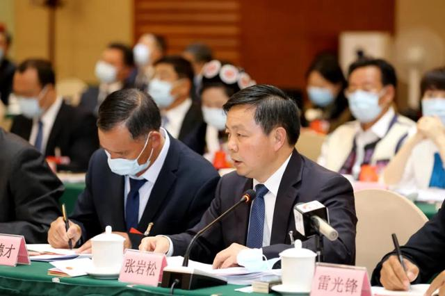 云南代表委员热议政府工作报告4.jpg