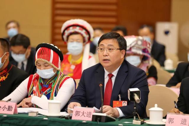 云南代表委员热议政府工作报告5.jpg