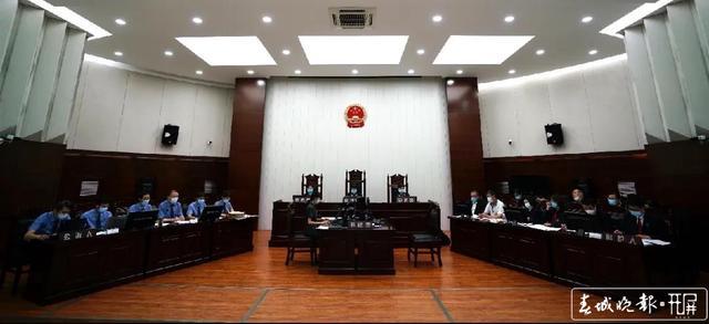 昆铁中院审理跨国涉黑涉毒犯罪集团.jpg