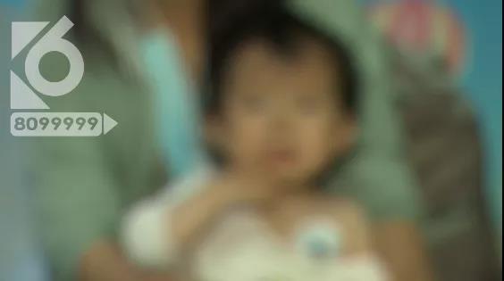 昆明宝妈带1岁女儿缴停车费,弯腰填个表工夫女儿竟误食消毒剂……2.jpg