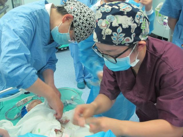 昆医大附一院成功为970克婴儿实施动脉导管结扎手术