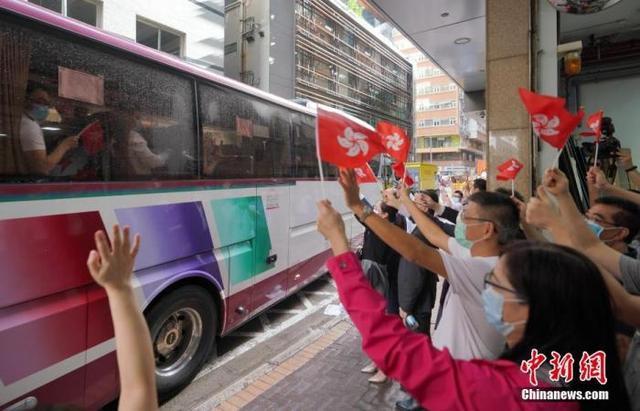 香港各界欢送内地核酸检测支援队返程2.jpeg