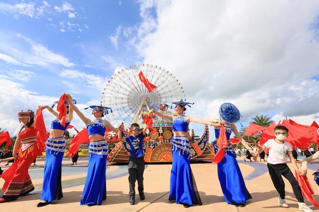 国庆长假,快来七彩云南·古滇名城看狂欢表演,享云南式美好生活!