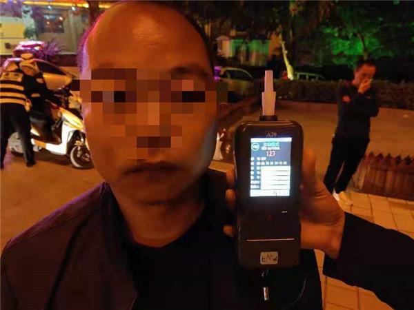 文山一男子10天内两次醉驾 交警:五年内不得申请驾驶证