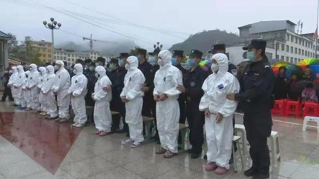 11月27日,富宁县人民法院巡回法庭审理了此案。1.jpg