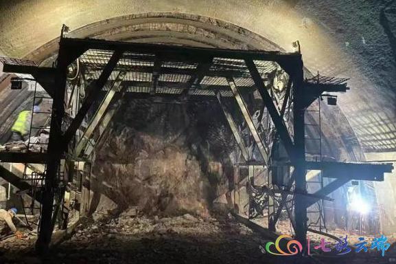 明年建成!宾(川)南(涧)高速取得新进展2.png