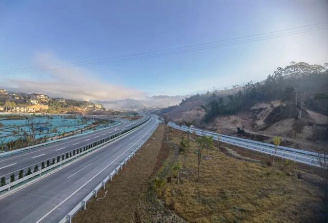 思茅至澜沧高速公路明天通车,车程由3.5小时缩短为1.5小时1.jpg