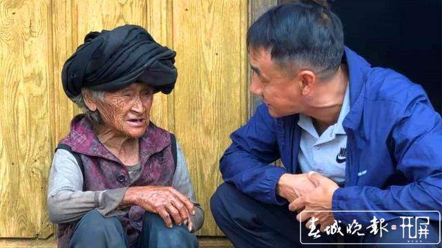 志愿者张仕钧 :做一天好事不难,难的是坚持32年做好事 (5)_副本.jpg
