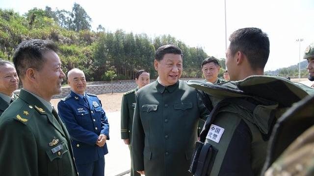 习近平在视察武警第二机动总队时强调,全面加强练兵备战 全面提高履行使命任务能力