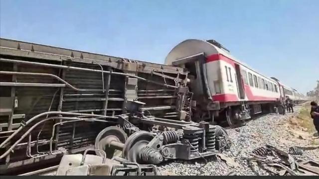 快讯!两列载客火车在埃及南部相撞,已致32死66伤