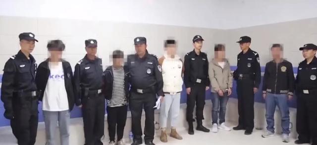 抓捕现场曝光!139名偷渡客在云南落网(来源 都市时报)