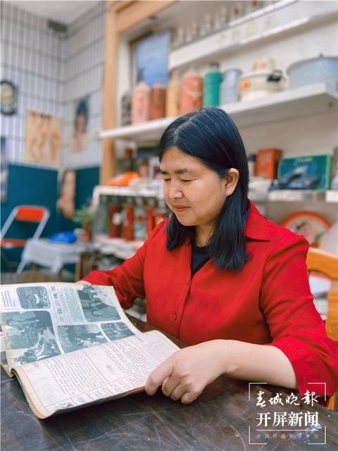 曲靖下岗女工在家建起红色收藏馆免费开放3.jpg