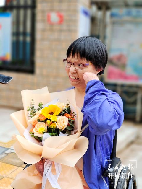 """昆明""""浴火女孩""""唐敏(春城晚报-开屏新闻记者 费丹艺 杨露 江洋 摄)"""