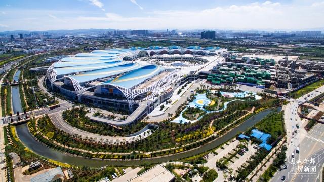 发布会 _ 17.6公里湖滨生态廊道将于6月底建设完成 (4).JPG