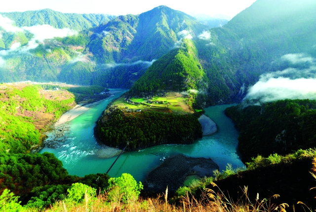 发布会   怒江发生9个历史性巨变(图片由怒江州委宣传部提供)
