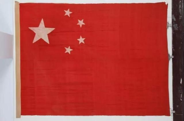 1昆明升起的第一面五星红旗是他们缝制的 云南广播电视台.jpg