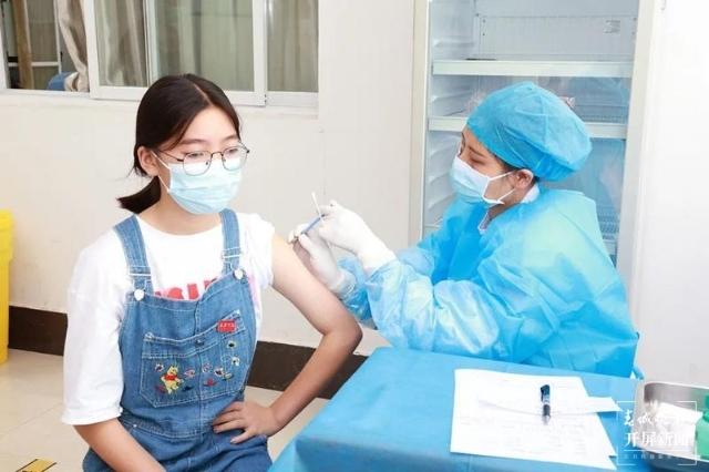 普洱市15-17岁青少年可接种新冠疫苗(通讯员 宝政艳 摄)