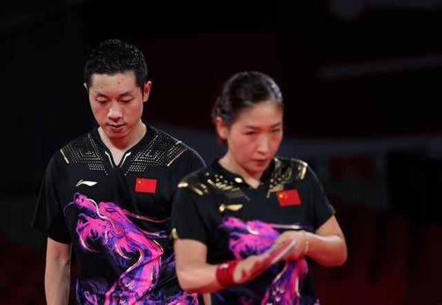 东京奥运会,7月26日,许昕(左)刘诗雯在比赛中。新华社记者 王东震 摄.jpg
