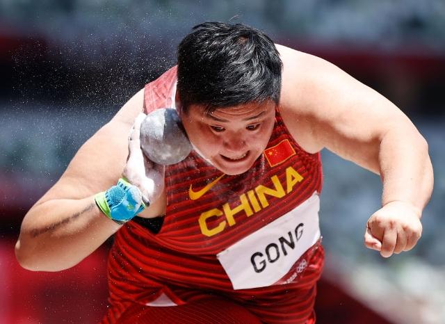 巩立姣在比赛中。新华社记者 王丽莉 摄