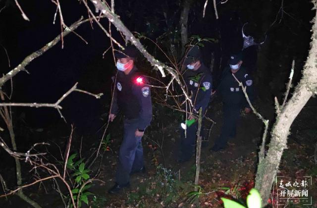 德宏盈江边警用脚步织密42公里边境疫情防控屏障 马楠 通讯员 蒋成 摄